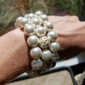 New WHBM Pearl Bracelet Set